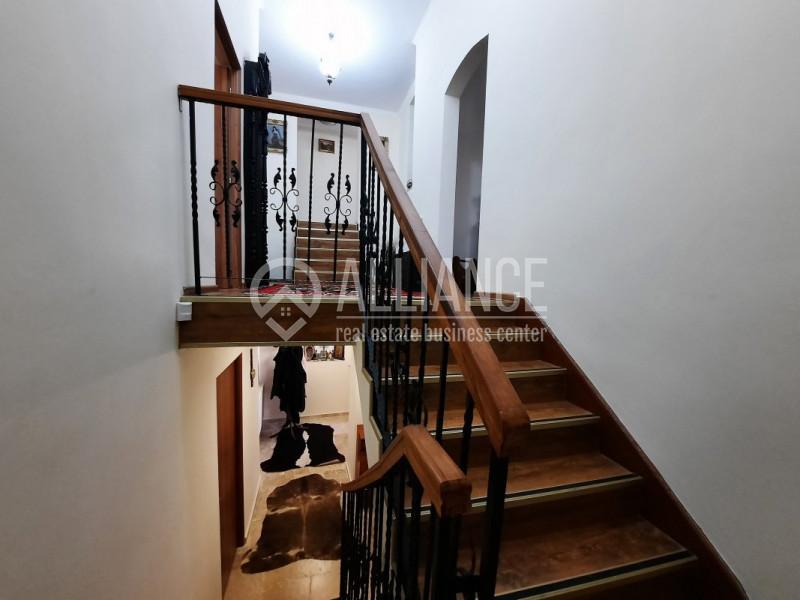 Centru – Vila restaurata ideala rezidenta/business.