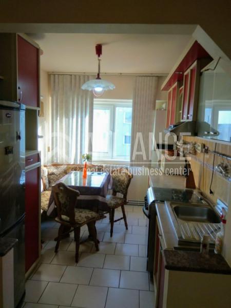 Apartament 3 camere decomandat Faleza nord, complex.