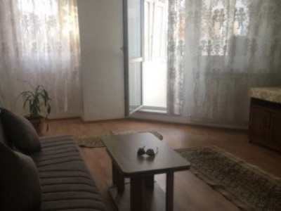 Apartament 2 camere,  decomandat Casa de Cultura, termen lung