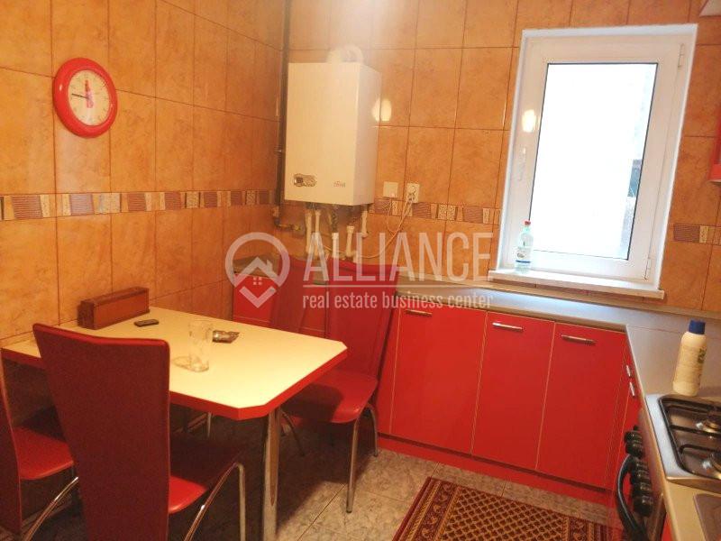 TOMIS NORD - MACUL ROSU - Apartament 3 camere cu centrala gaz
