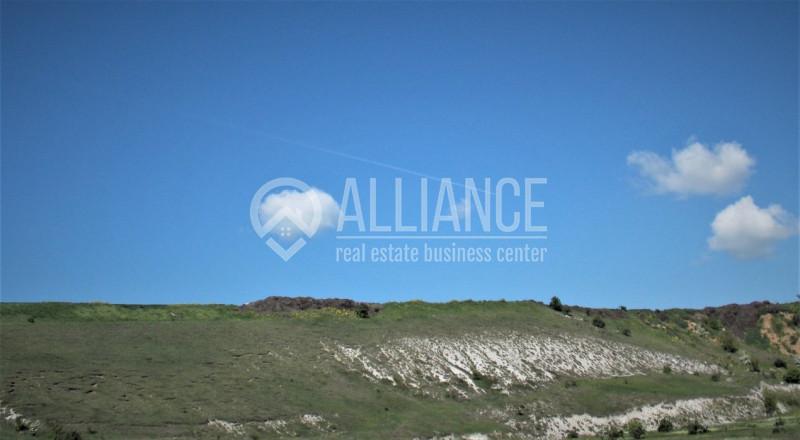 VALU LUI TRAIAN - Teren intravilan 1000 mp cu privelisti de zona premontana!
