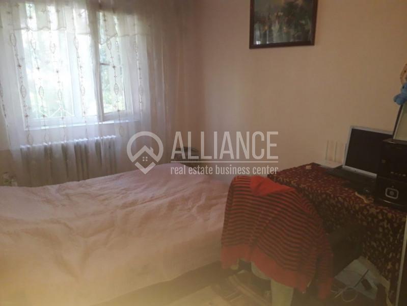 Km 4-5 -apartament 3 camere.53000 euro