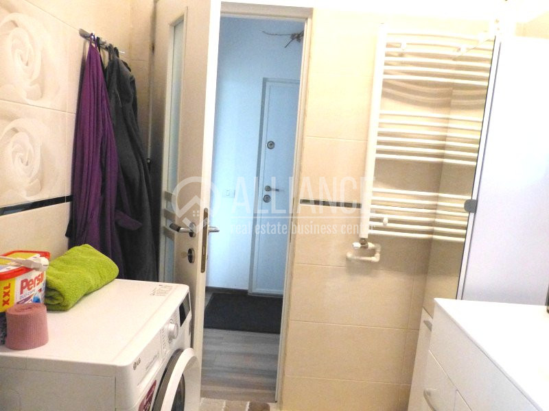 MAMAIA-SAT - Apartament cochet, cu gradina comuna, complet utilat si mobilat.