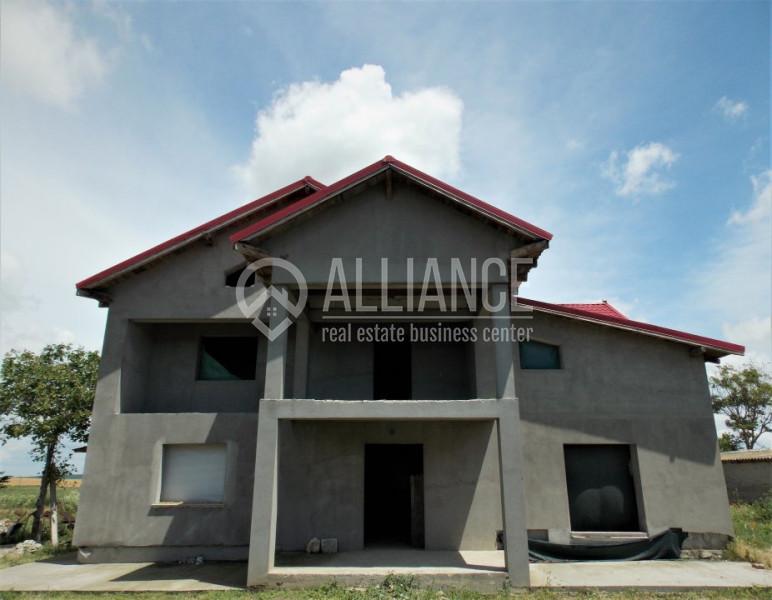CIOCARLIA DE SUS - Casa mare, spatioasa, bine construita!