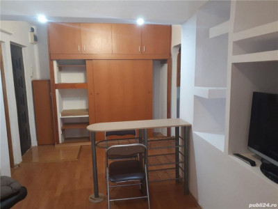 Faleza Nord - Apartament cu 2 camere transformat in 3 camere - Constanta