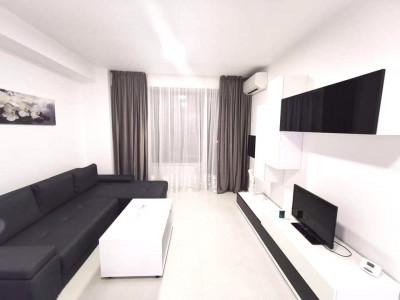 CASA DE CULTURA- Apartament nou, frumos amenajat, cu balcon mare.