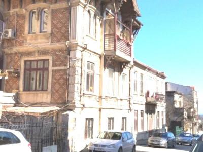 PENINSULA BISERICA GREACA - Apartament in vila cu arhitectura impunatoare !